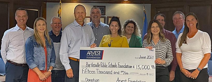 Arvest Foundation Contributes $15,000 to Bartlesville Public Schools Foundation